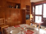 coin repas appartement ours blanc 17